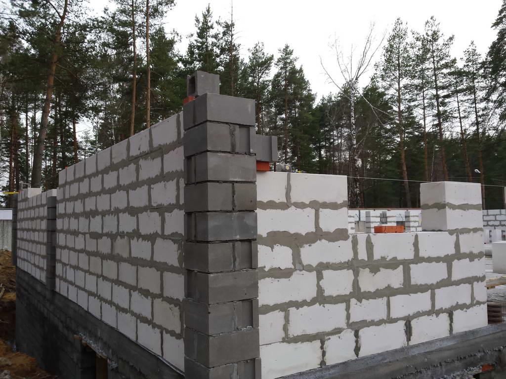Строительство здания в Фосфоритном