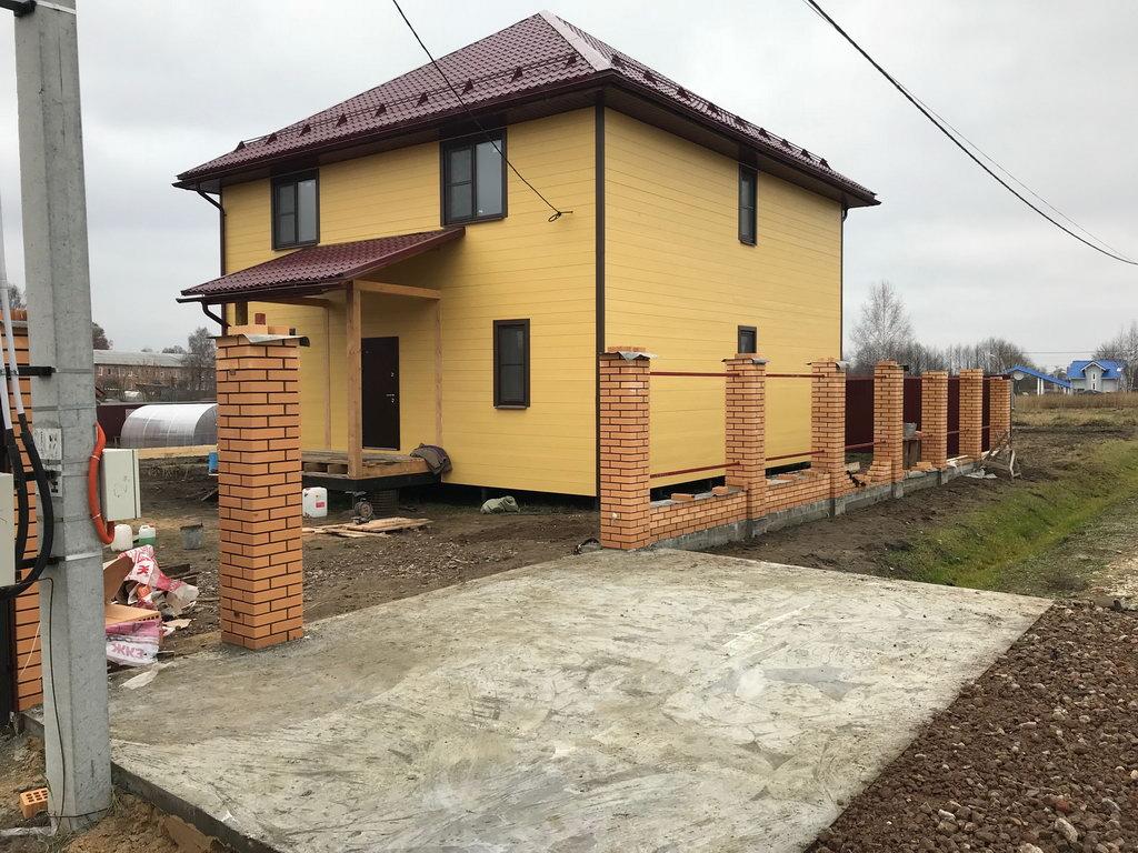 Кирпичный забор с заездом Барановское